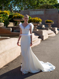 Wedding dress 7826